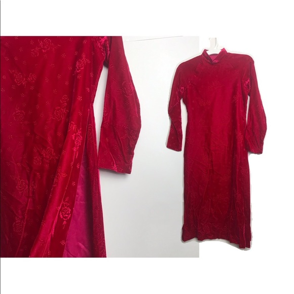 Vintage Dresses & Skirts - 💥1/2OFF Vtg Red Velvet Traditional Long Dress